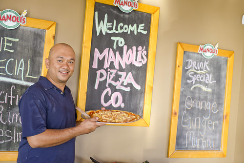 014_manoli's_pizza_wailea_sean-m-hower_mauitime