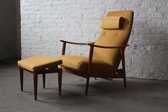***ON DECK*** Mid Century Scandinavian Modern Westnofa Lounge Chair Rocker with Ottoman (Norway, 1950's)