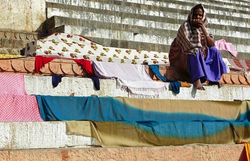 Mujer en el escalón (Benarés - Varanasi, India)