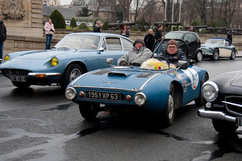 1951 Panhard Tank & 1968–70 Ferrari 365 GT 2+2