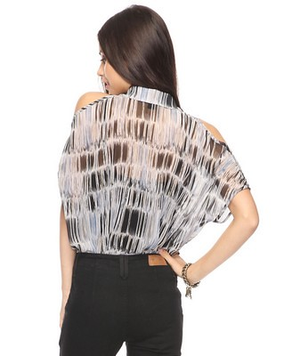 Abstract woven top 24.80usd x 1.36-1