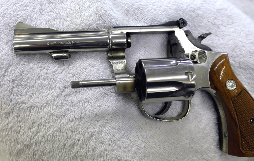 Smith & Wesson model 15-4 / 38 special