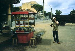 Bến Bạch Đằng - Saigon street vendor 1960s