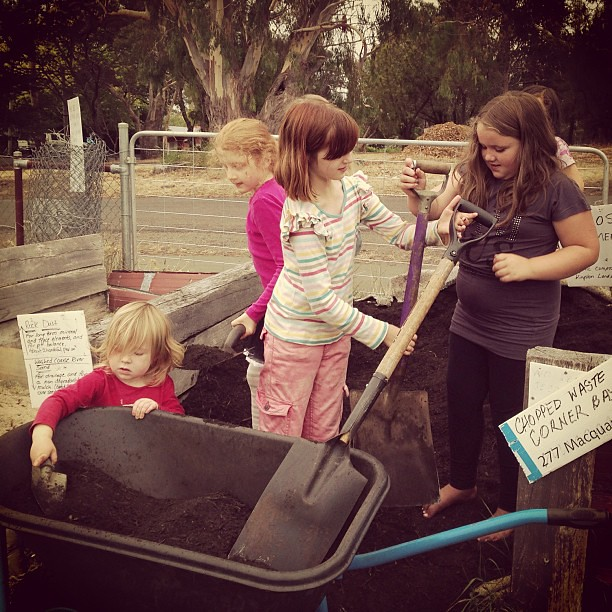 Working together at co-op #gardening #unschooling #naturallearning #kitchengarden