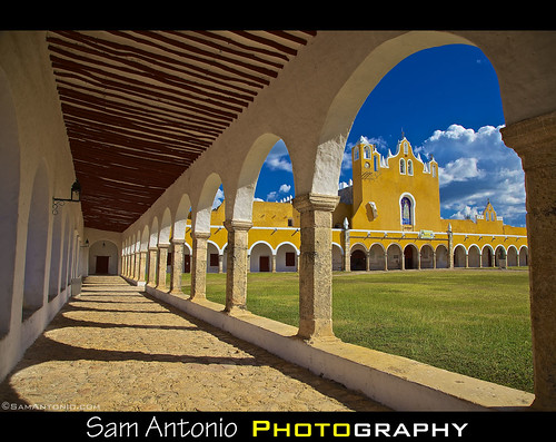 How do you say yellow in Spanish? by Sam Antonio Photography