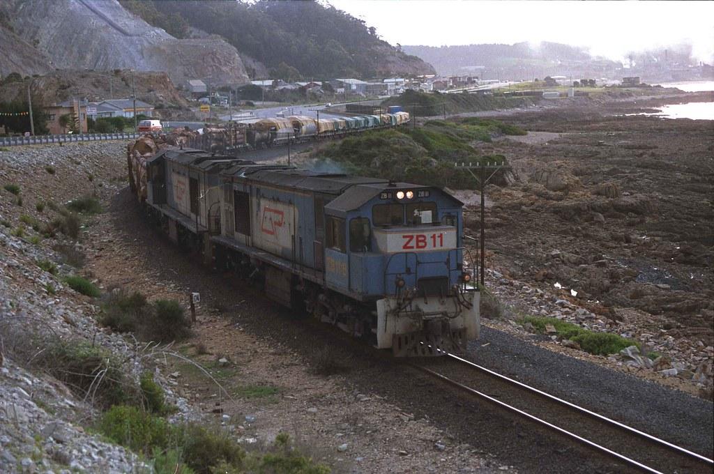 zb11-zb12-leaves-burnie by ebr1 in the pilbara