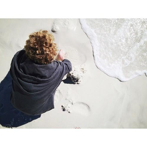 Still plays in the sand. #santarosabeach #florida