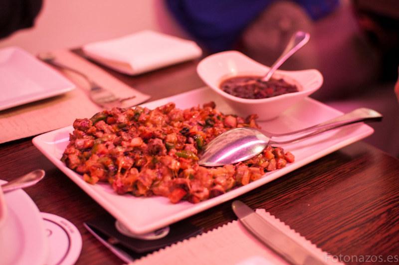 Cena mexicana en el restaurante Tepic con auténtico tequila Alacrán