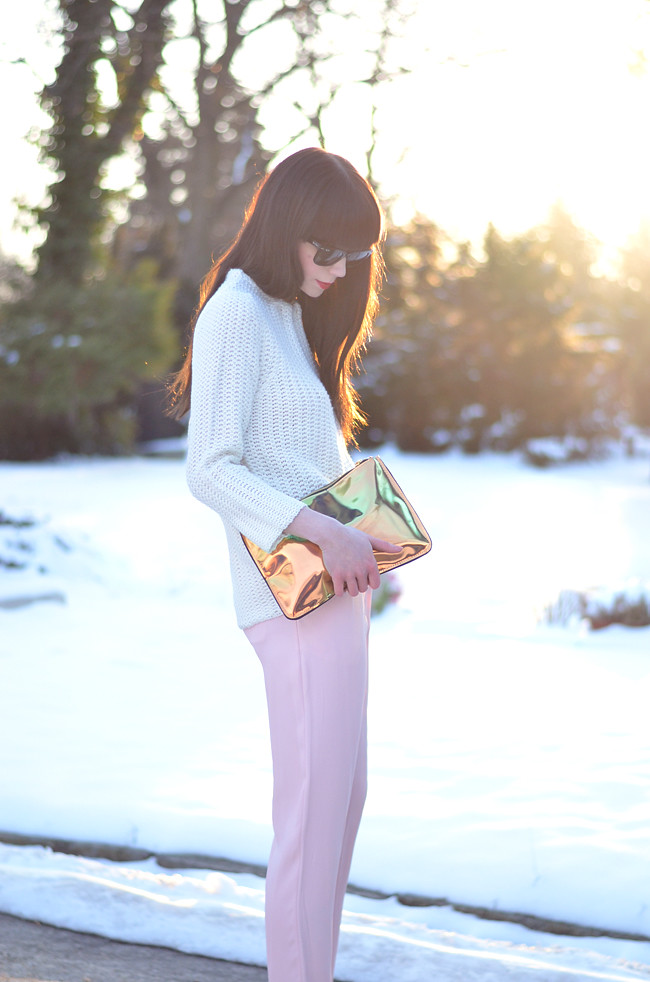 Pink pants white jumper metallic clutch outfit sunset 9