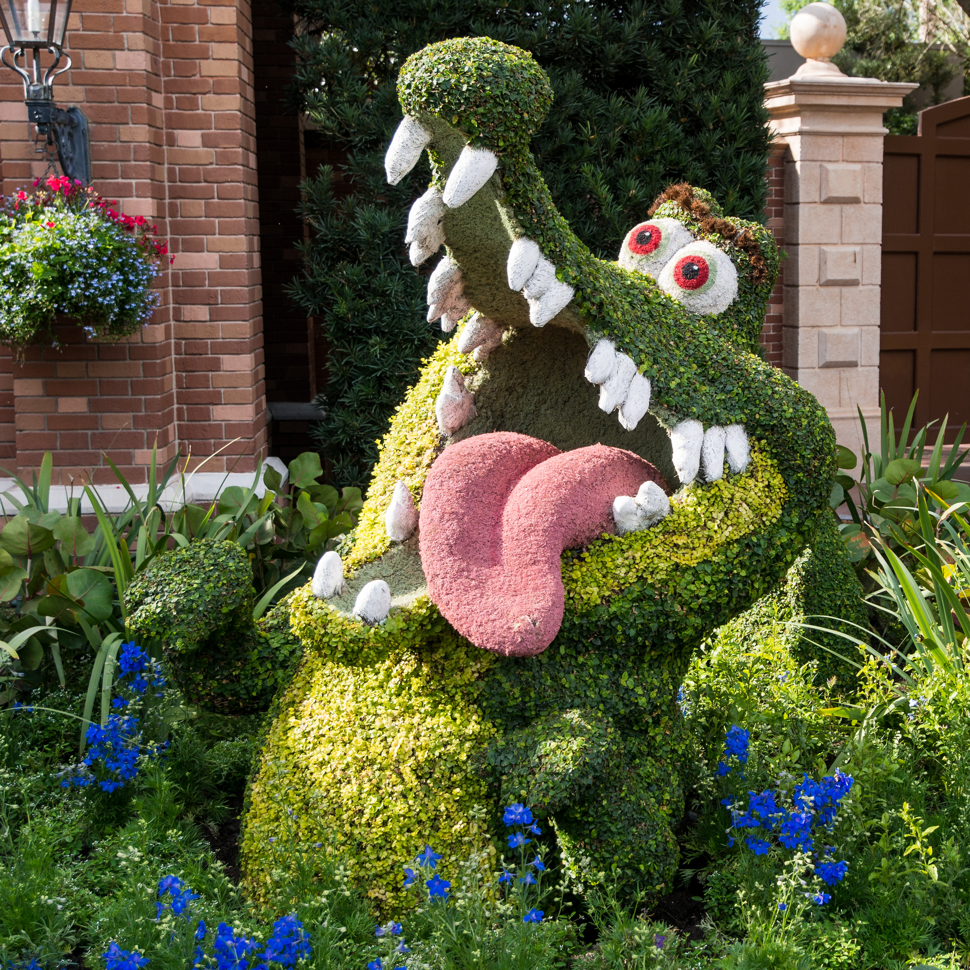 Amazing Topiary: Tick Tock's Totally Topiary Teeth