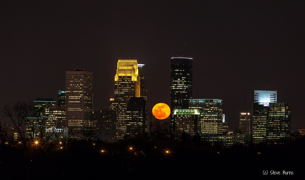 Full Moon over Minneapolis
