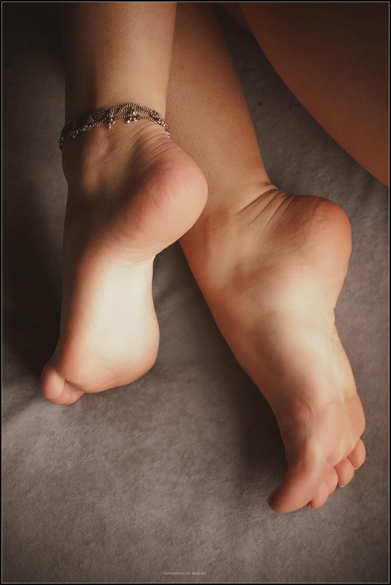 fotki-golih-piterskih-devushek