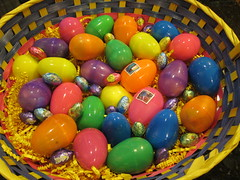 play(0.0), ball pit(0.0), sweetness(0.0), toy(0.0), yellow(1.0), food(1.0), easter egg(1.0), easter(1.0),