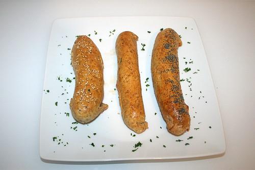 31 - Würstchen im Brotteig / Sausages in bread dough - Serviert