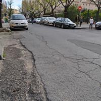 Asfalto en la calle Marqués de Nervión esquina con Federico García Lorca