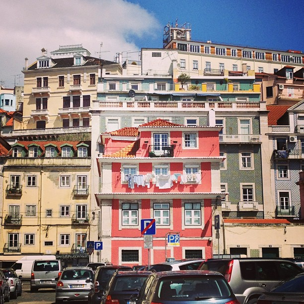This pink house looks like a doll house. #lisbon #lisboa