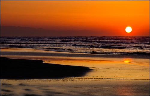 sunset sea mountains reflection water nikon darkness iran warmth shades caspiansea d7000