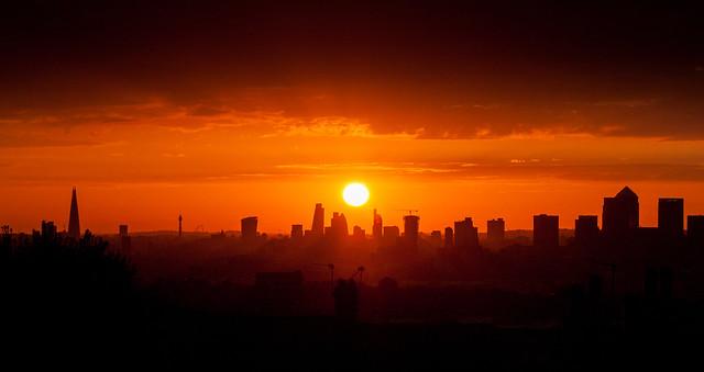 3924 London Skyline