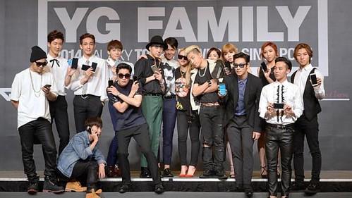 YGFamilyConcert-Press-Con-Singapore-20140912(43)