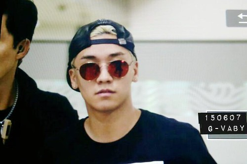 Big Bang - Gimpo Airport - 07jun2015 - Seung Ri - G_Vaby - 02