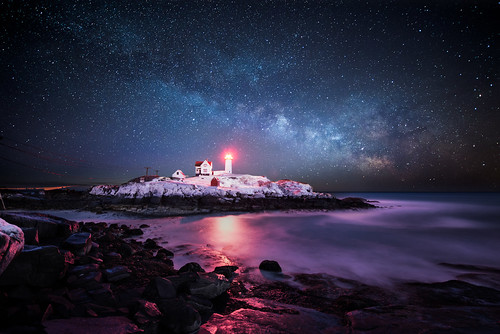 Winter Nubble Light by moe chen