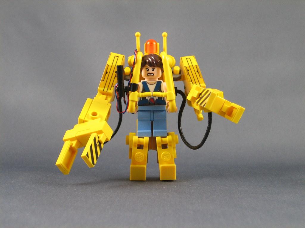 Mini LEGO Power Loader from Aliens