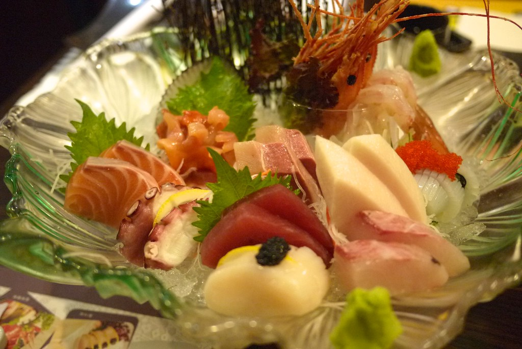 a very delicious sashimi platter!  very fresh!很好吃的刺身拼盤!非常新鮮!