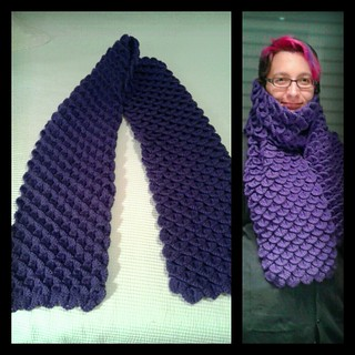 Dragon-scaled scarf