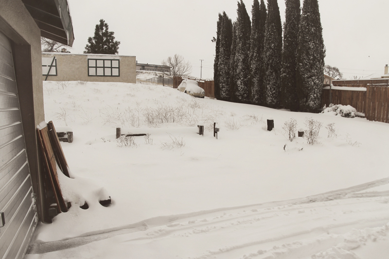 snowy-backyard-tehachapi