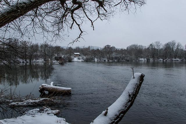 Promenade dans la neige - La Moselle et l'Ile de Vaux