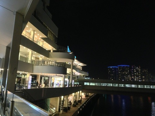 横浜ベイクオーターの夜景