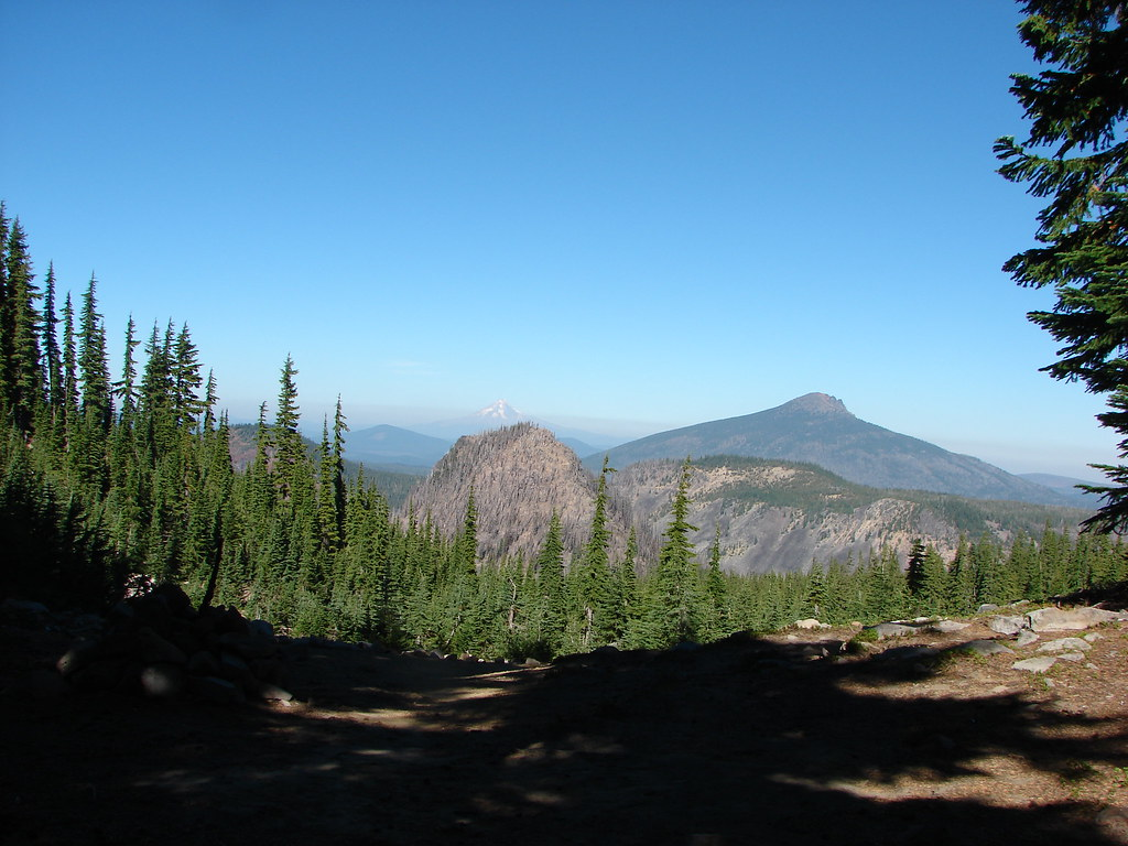 Pyramid Butte, Mt. Hood and Olallie Butte