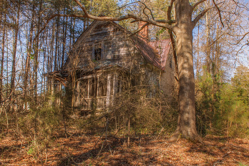 4:24 PM: Overgrown House on SC-254