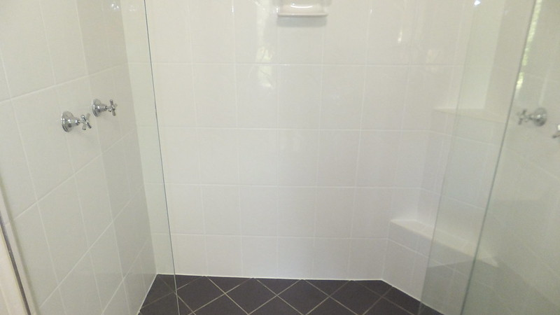 shower wall cleaning after