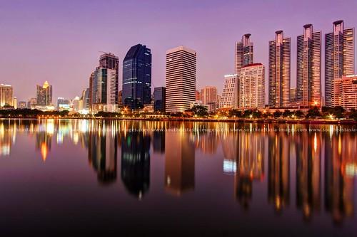 Floating Cityscape / Benjakiti Park (Lake Ratchada) / Bangkok