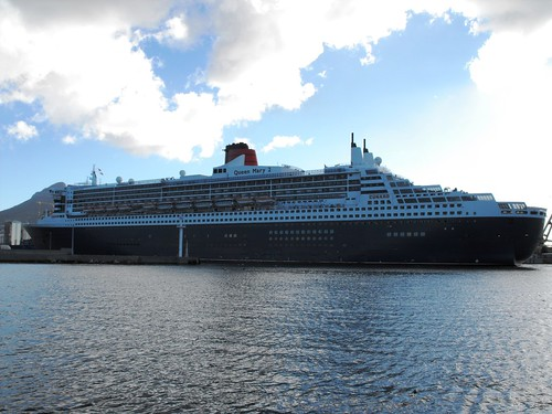 Queen Mary 2 - 9 April 2013 030 by chrisLgodden