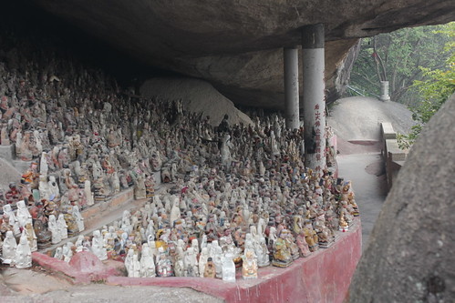 Statue grottos