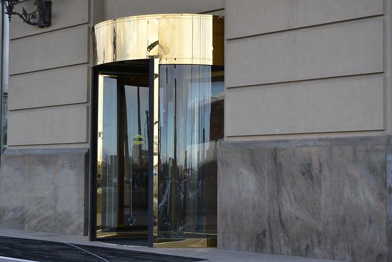 ka023 карусельные двери FERMONT