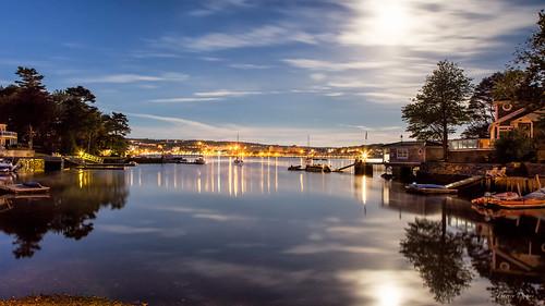 bedfordfullmoonearlymorning moon reflection water night ocean boats wharf lights harvestmoon longexposure waterview citylights