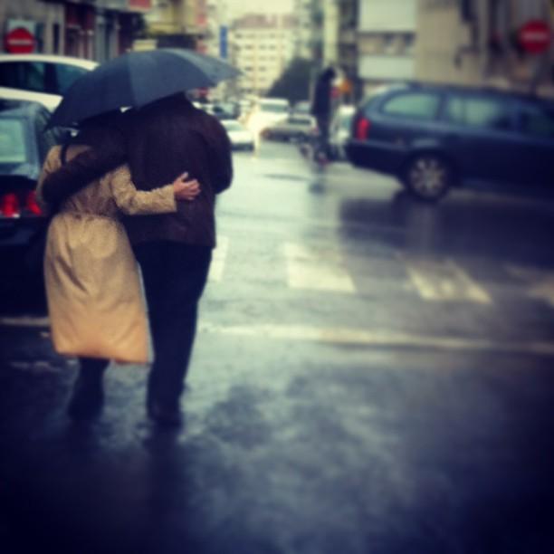 A chuva o amor abriga