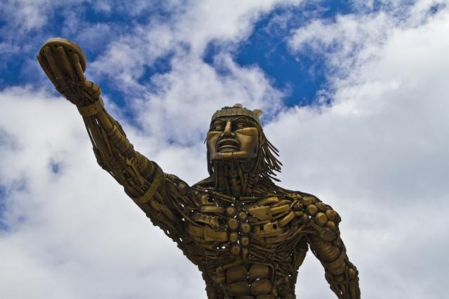 Monumento al tejo-Sergio Fabra