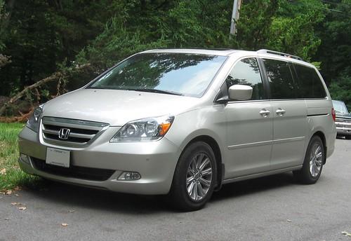 05-07_Honda_Odyssey_Touring