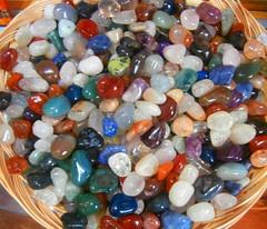 art(0.0), jewellery(0.0), glass(0.0), marble(0.0), crystal(0.0), jewelry making(1.0), gemstone(1.0), pebble(1.0), bead(1.0),