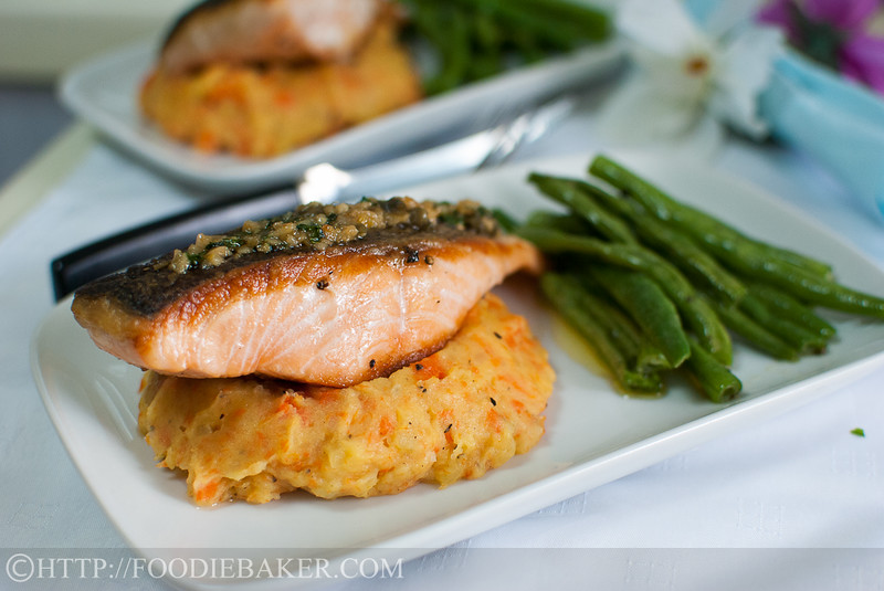 Pan-Fried Salmon with Lemon-Butter-Capers Sauce