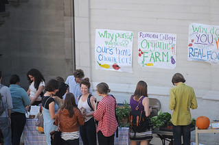 2011 saw the inaugural Farm Stand, a weekly sales event at Smith Campus Center where Sagehens can pick up fruits, herbs and vegetables from the Organic Farm.