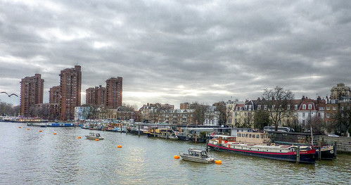 London, Cheyne Walk from Battersea Bridge