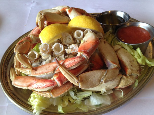 Cracked whole dungeness crab - Fishermen's Grotto