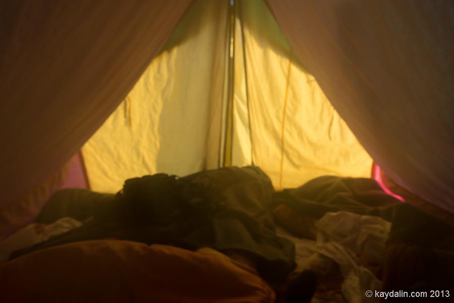 В палатке. Индия
