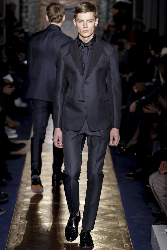 Janis Ancens3086_FW13 Paris Valentino(VOGUE)