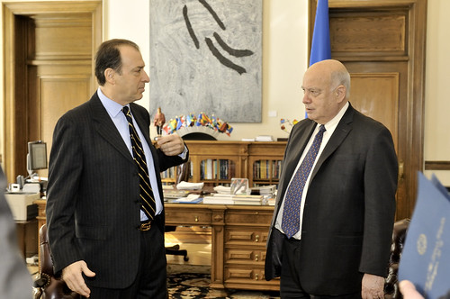 Secretary General Meets with the Permanent Observer of Greece to the OAS